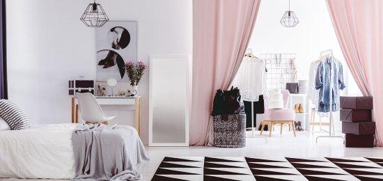 Pourquoi choisir un rideau le placard?