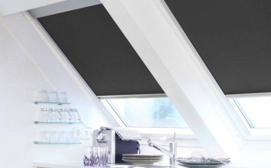 stores int rieurs pour fen tres de toit store direct. Black Bedroom Furniture Sets. Home Design Ideas