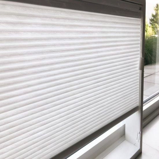 Plissés pour fenêtres ordinaires et oscillo-battantes