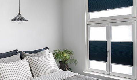 Stores enrouleurs pour fenêtres oscillo-battantes