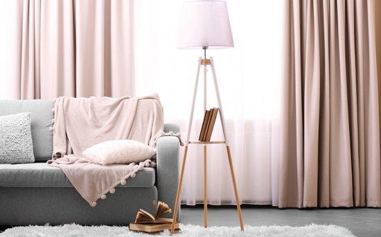 2. Créez un intérieur agréable avec une décoration de fenêtre