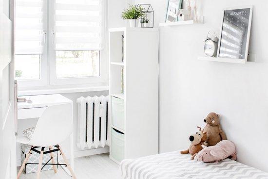 Couleurs blanches, neutres et calmes pour chambre d'enfant