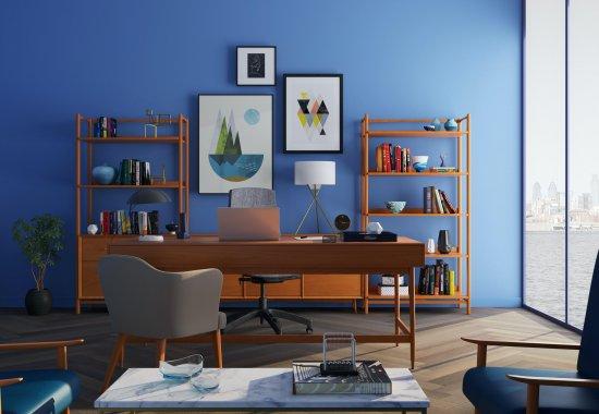 Le bleu foncé: couleur tendance
